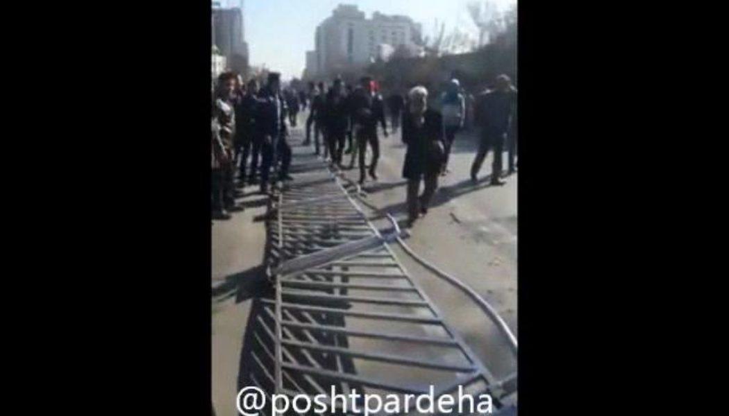 فریاد مرگ بر دیکتاتور در خیابانهای ایران امروز